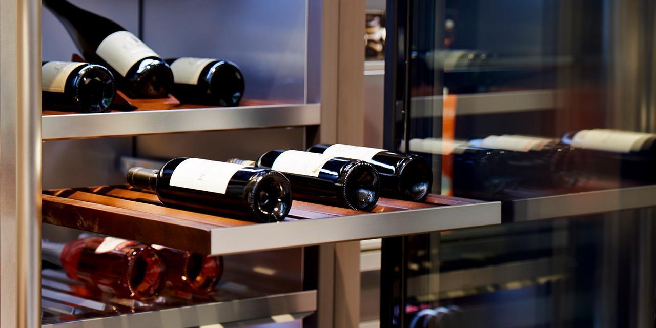 For Wine Lovers   LG Signature Wine
