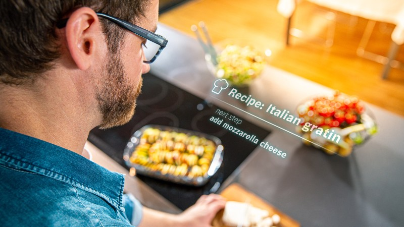 Bosch smartglasses used in kitchen cooking